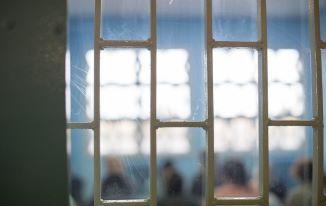 SERVONS LA FRATERNITÉ : prison et coronavirus